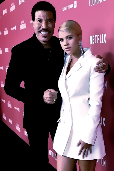 Lionel Richie Is Finally Back With His 'Lost' Daughter